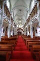 神秘的な教会内部