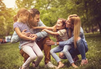 Cheerfully family. Fotoväggar