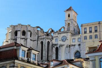 Durch Erdbeben zerstörte Karmeliterkirche in Lissabon
