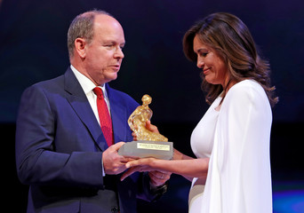 Actor Hargitay receives from Prince Albert II of Monaco a Crystal Nymph in Monaco