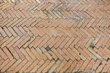 Pavimenti In Cotto A Spina Di Pesce : Corrimano in cotto per rifinire pavimenti interni ed esterni