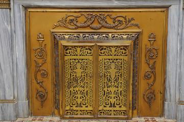 décoration de cache cheminée ancienne en marbre