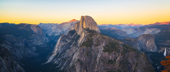 Panoramic View of Half Dome from Glacier Point in Yosemite National Park Wall mural