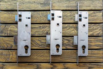 The design of the door lock. dismantle the door lock on the stand