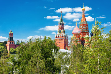 Fototapete - St Basil's Cathedral and Moscow Kremlin, Russia