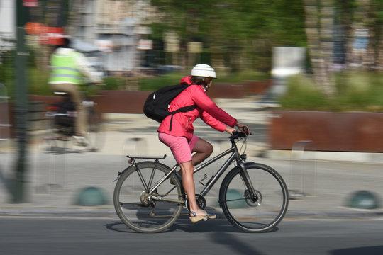 velo santé sécurité roues route ville casque