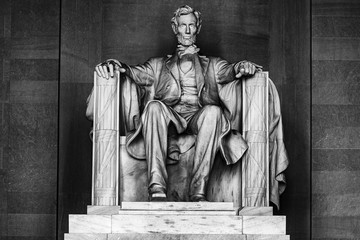 Wall Mural - WASHINGTON, USA - JUNE 24 2016 - Lincoln statue at Memorial in Washington DC