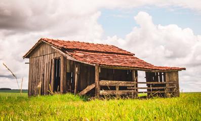 Casa e oficina na zona rural Wall mural