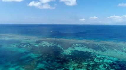 Wall Mural - 沖縄 伊良部島 三角点周辺の海 ドローン撮影