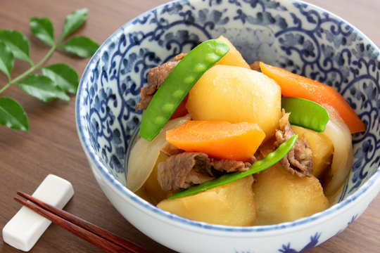 日本の家庭料理、肉じゃが