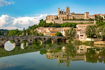 Béziers, city in southern France