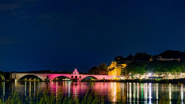 avignon by night pont