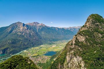 Lago di Novate Mezzola e Valchiavenna (IT) - Vista aerea panoramica