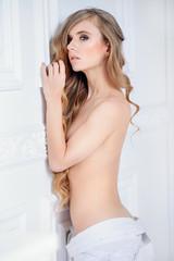 girl posing nude