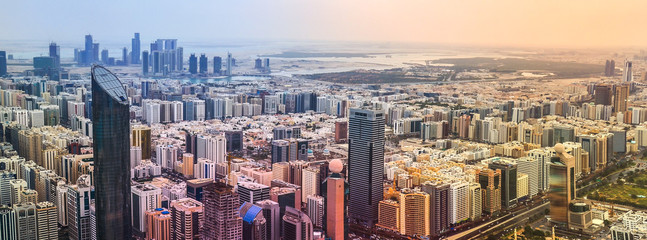 Poster Abou Dabi Panoramic sunset city skyline. Abu Dhabi