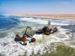 Poster Naufrage Ship Wreck along the Skeleton Coast in Western Namibia taken in January 2018
