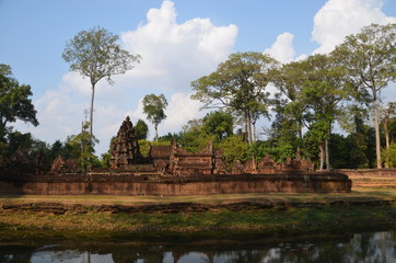 Banteay Srei angkor cambodia ancient sculpture relief