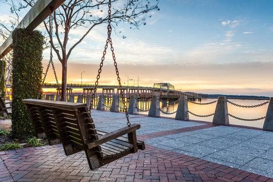 Sunrise a Beaufort, South Carolina Waterfront