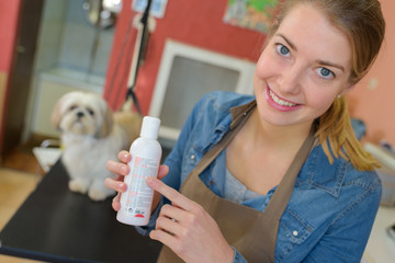 dog salon owner