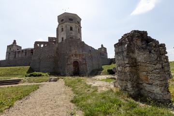 Ruiny siedemnastowiecznego zamku w Polsce