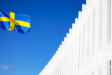 Weißer Zaun in Schweden