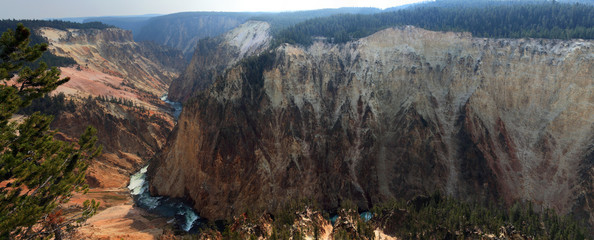 Grand View Overlook of Grand Canyon in Yellowstone NP, USA
