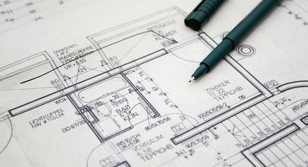 Planzeichnung einer Wohnung mit Tuschestiften