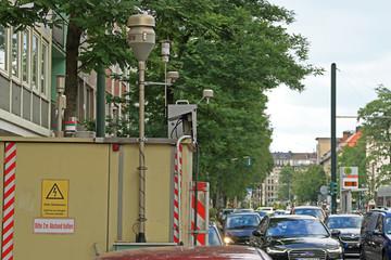 Umwelt Messstation an belebter Hauptstrasse