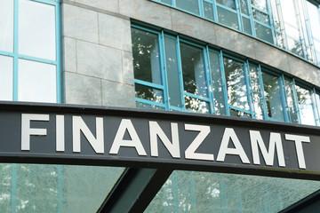 Finanzamt Eingang, Gebäude