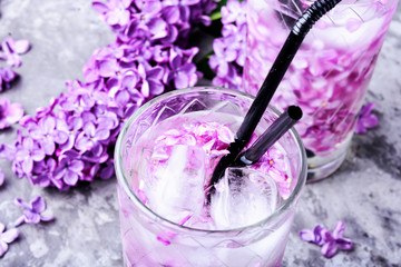 Printed roller blinds Lilac Refreshing drink with lilac and ice