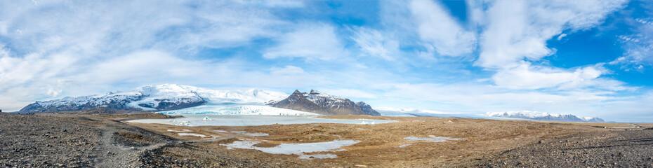 Zelfklevend Fotobehang Gletsjers Fjallsarlon glacier in winter season, Iceland
