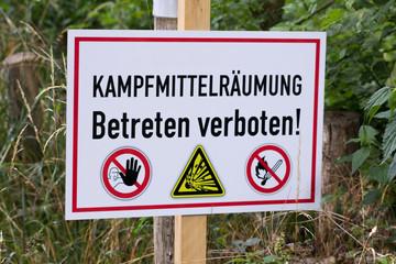 """Schild """"Kampfmittelräumung"""""""