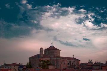 Pozzolengo, chiesa al tramonto.