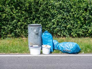 illegale Müllentsorgung auf einem Rastplatz