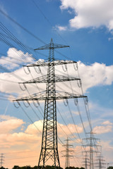 Stromleitung, Hochspannung, Abendhimmel