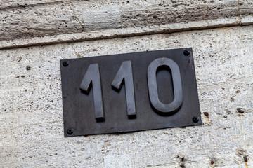 Hausnummer 110