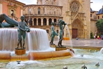 Valencia, der Turia-Brunnen und die Kathedrale in Spanien - Valencia, the Turia fountain and cathedral