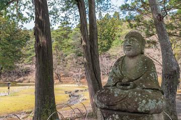 毛越寺庭園の地蔵菩薩