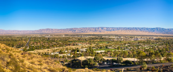 Fotomurales - Panorama of Palm Springs in California
