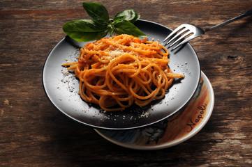 Spaghetti al pomodoro Cucina italiana Pasta with tomato sauce Espagueti con salsa de tomate спагетти с томатным соусом トマトソース入りスパゲッティ