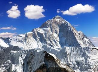 mount Makalu (8463 m)