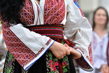 Beautiful traditional Romania costumes from Dobrogea , Romania Fototapete