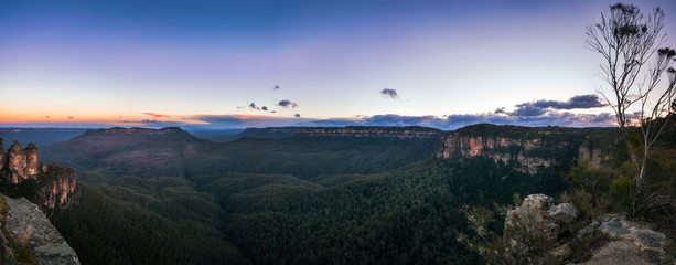 Sunrise Panorama at Ecco Point in Blue Mountains, Katoomba, New South Wales, Australia