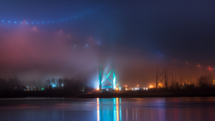 Lions Gate Brigde, long exposure in a misty night. January 2018.