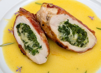 meat roulade filled with spinach