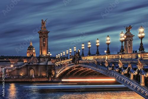 Fototapete Bridge Alexandre III and Hotel des Invalides in Paris