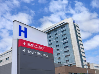 direction sign with capital letter H for hospital