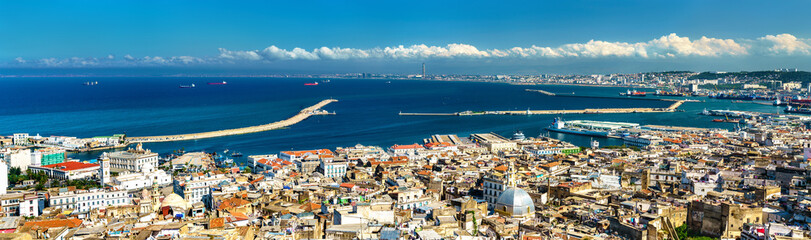 Zelfklevend Fotobehang Algerije Panorama of the city centre of Algiers in Algeria