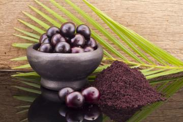 acai fruit and powder (Euterpe oleracea)