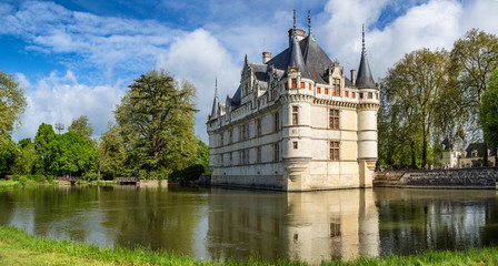 The beautiful chateau at Azay le Rideau in the Loire, France Fotomurales